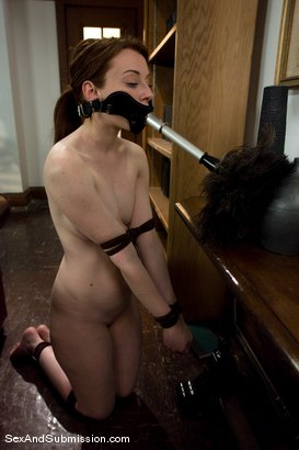 Photo number 10 from Servant Keen shot for Sex And Submission on Kink.com. Featuring Steve Holmes and Amber Keen in hardcore BDSM & Fetish porn.
