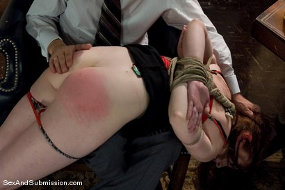 Photo number 5 from Servant Keen shot for Sex And Submission on Kink.com. Featuring Steve Holmes and Amber Keen in hardcore BDSM & Fetish porn.