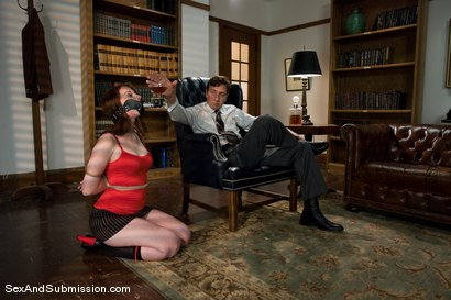 Photo number 2 from Servant Keen shot for Sex And Submission on Kink.com. Featuring Steve Holmes and Amber Keen in hardcore BDSM & Fetish porn.