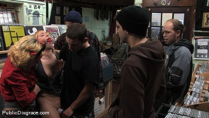 Photo number 4 from Skater Slut shot for Public Disgrace on Kink.com. Featuring Ami Emerson and Joey Nobody in hardcore BDSM & Fetish porn.