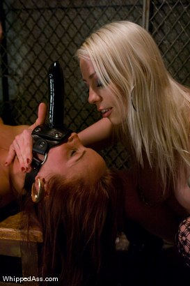 Photo number 11 from Night Club shot for Whipped Ass on Kink.com. Featuring Lorelei Lee, Bella Rossi and Maitresse Madeline Marlowe in hardcore BDSM & Fetish porn.