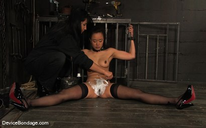 Photo number 7 from Ariel X, Annie Cruz<br> Part 1 of 4 of the March Live Feed shot for Device Bondage on Kink.com. Featuring Ariel X, Annie Cruz and Isis Love in hardcore BDSM & Fetish porn.