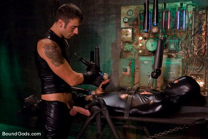 Photo number 10 from Slick It Up Spencer! shot for Bound Gods on Kink.com. Featuring Spencer Reed and Dominic Pacifico in hardcore BDSM & Fetish porn.