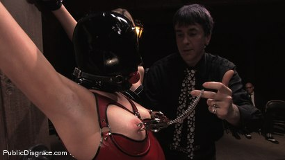 Photo number 4 from Sindee Jennings shot for Public Disgrace on Kink.com. Featuring Sindee Jennings and Mark Davis in hardcore BDSM & Fetish porn.