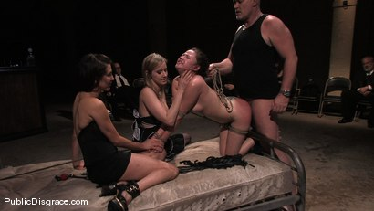 Photo number 14 from Sindee Jennings shot for Public Disgrace on Kink.com. Featuring Sindee Jennings and Mark Davis in hardcore BDSM & Fetish porn.