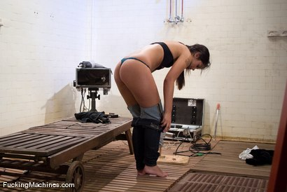 Photo number 2 from AMATEUR GIRL FRIDAYS - LEAH shot for Fucking Machines on Kink.com. Featuring Leah in hardcore BDSM & Fetish porn.