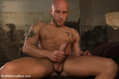 Photo number 2 from Muscle Stud and His Toys shot for Butt Machine Boys on Kink.com. Featuring Drake Jaden in hardcore BDSM & Fetish porn.
