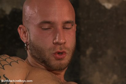 Photo number 4 from Muscle Stud and His Toys shot for Butt Machine Boys on Kink.com. Featuring Drake Jaden in hardcore BDSM & Fetish porn.