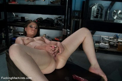 Photo number 3 from AMATEUR GIRL FRIDAYS  Oynx shot for Fucking Machines on Kink.com. Featuring Onyx in hardcore BDSM & Fetish porn.