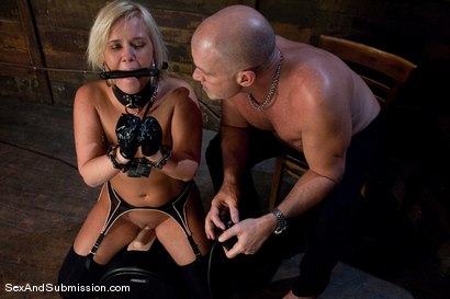 Photo number 9 from Sasha Knox shot for Sex And Submission on Kink.com. Featuring Mark Davis and Sasha Knox in hardcore BDSM & Fetish porn.