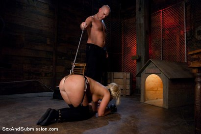 Photo number 7 from Sasha Knox shot for Sex And Submission on Kink.com. Featuring Mark Davis and Sasha Knox in hardcore BDSM & Fetish porn.