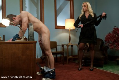 Photo number 4 from Bike Messenger Bitchtoy and The Cougar CEO! shot for Divine Bitches on Kink.com. Featuring Jason Miller and Alexis Golden in hardcore BDSM & Fetish porn.
