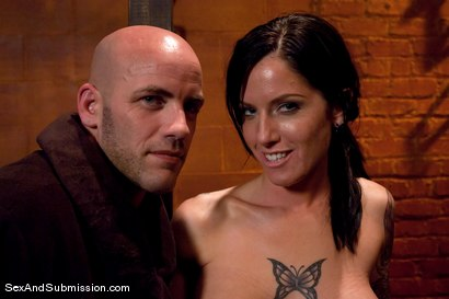Photo number 15 from Tricia Oaks shot for Sex And Submission on Kink.com. Featuring Derrick Pierce and Tricia Oaks in hardcore BDSM & Fetish porn.