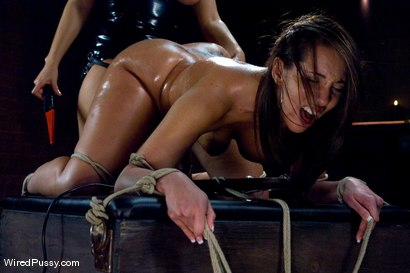 Photo number 10 from Kelly and her Divine Ass shot for Wired Pussy on Kink.com. Featuring Isis Love and Kelly Divine in hardcore BDSM & Fetish porn.