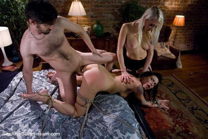 Photo number 9 from Kinky Couple shot for Sex And Submission on Kink.com. Featuring Lorelei Lee, Vanessa Naughty and John Henry in hardcore BDSM & Fetish porn.