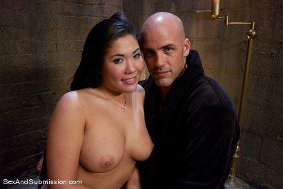 Photo number 15 from London Keyes: Saliva Slut shot for Sex And Submission on Kink.com. Featuring Derrick Pierce and London Keyes in hardcore BDSM & Fetish porn.