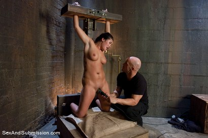 Photo number 5 from London Keyes: Saliva Slut shot for Sex And Submission on Kink.com. Featuring Derrick Pierce and London Keyes in hardcore BDSM & Fetish porn.