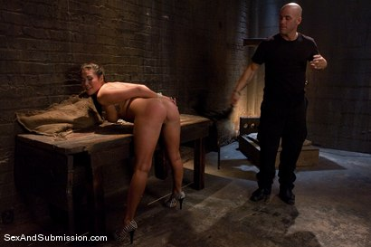 Photo number 2 from London Keyes: Saliva Slut shot for Sex And Submission on Kink.com. Featuring Derrick Pierce and London Keyes in hardcore BDSM & Fetish porn.