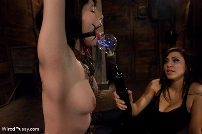 Photo number 10 from Adorable 20 year old Lindy Lane has MIND-BLOWING ORGASMS from Electrical Stimulation  shot for Wired Pussy on Kink.com. Featuring Princess Donna Dolore and Lindy Lane in hardcore BDSM & Fetish porn.