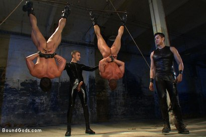 Photo number 9 from The Bodybuilders and The Onyx shot for Bound Gods on Kink.com. Featuring Van Darkholme, Vince Ferelli, Derek Pain and Christian Wilde in hardcore BDSM & Fetish porn.