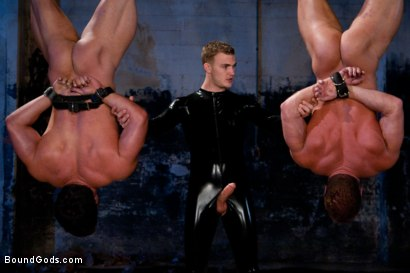Photo number 8 from The Bodybuilders and The Onyx shot for Bound Gods on Kink.com. Featuring Van Darkholme, Vince Ferelli, Derek Pain and Christian Wilde in hardcore BDSM & Fetish porn.