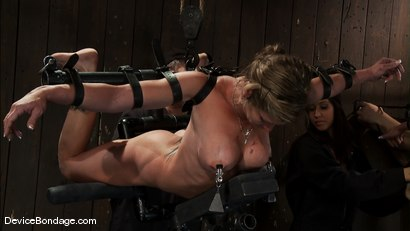 Photo number 9 from Part 1 of 4 of the April Live show. shot for Device Bondage on Kink.com. Featuring Felony, Isis Love and Dee Williams in hardcore BDSM & Fetish porn.