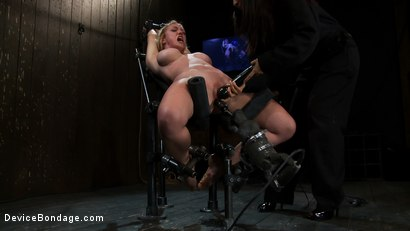 Photo number 13 from Part 2 of 4 of the April Live show. shot for Device Bondage on Kink.com. Featuring Felony, Isis Love and Dee Williams in hardcore BDSM & Fetish porn.