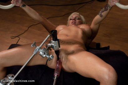 Photo number 4 from Exercising the puss shot for Fucking Machines on Kink.com. Featuring Lylith Lavey in hardcore BDSM & Fetish porn.