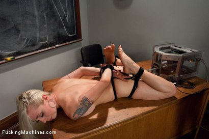 Photo number 8 from Hall of Fuckingmachines Babe <br> part 1 of her live show shot for Fucking Machines on Kink.com. Featuring Lorelei Lee in hardcore BDSM & Fetish porn.