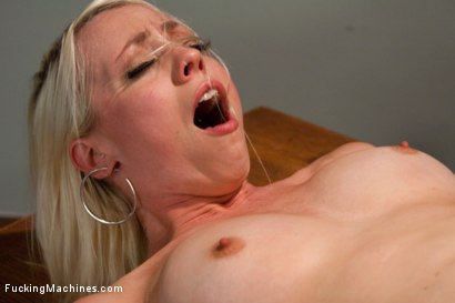 Photo number 14 from Hall of Fuckingmachines Babe <br> part 1 of her live show shot for Fucking Machines on Kink.com. Featuring Lorelei Lee in hardcore BDSM & Fetish porn.