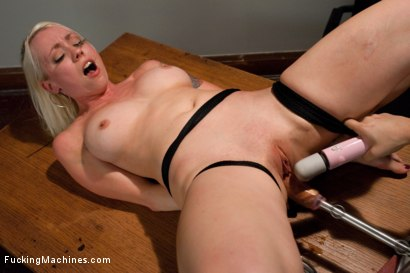 Photo number 13 from Hall of Fuckingmachines Babe <br> part 1 of her live show shot for Fucking Machines on Kink.com. Featuring Lorelei Lee in hardcore BDSM & Fetish porn.