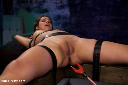 Photo number 14 from Who's the Hottest Pimp in Town? shot for Wired Pussy on Kink.com. Featuring Isis Love and Jynx Maze in hardcore BDSM & Fetish porn.