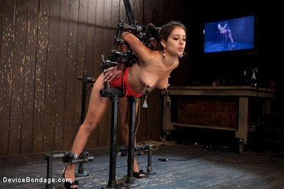 "Photo number 8 from ""Can't stop, cumming...."" shot for Device Bondage on Kink.com. Featuring Jynx Maze in hardcore BDSM & Fetish porn."