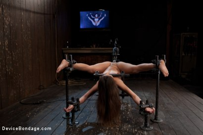Photo number 1 from So Spread, So Fucked, So Helpless shot for Device Bondage on Kink.com. Featuring Jynx Maze in hardcore BDSM & Fetish porn.