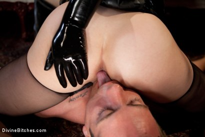 Photo number 9 from Milking Raw Multiple Orgasms shot for Divine Bitches on Kink.com. Featuring John Jammen and Maitresse Madeline Marlowe in hardcore BDSM & Fetish porn.